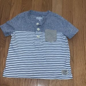 OshKosh B'Gosh boys size 2T t-shirt